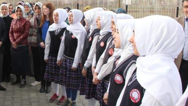 Turkey lifts ban on headscarves at high schools | islam ru