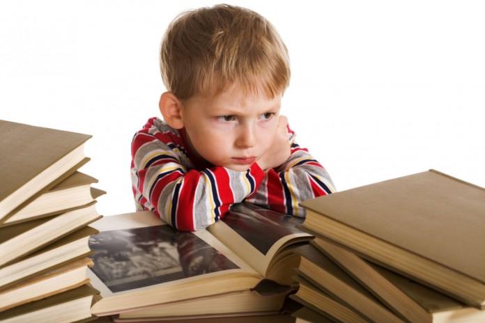 Делать с ребенком уроки не надо И вообще уроки делать не надо