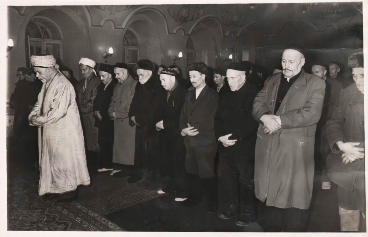 Намаз в мечети «Марджани», 1960-е годы