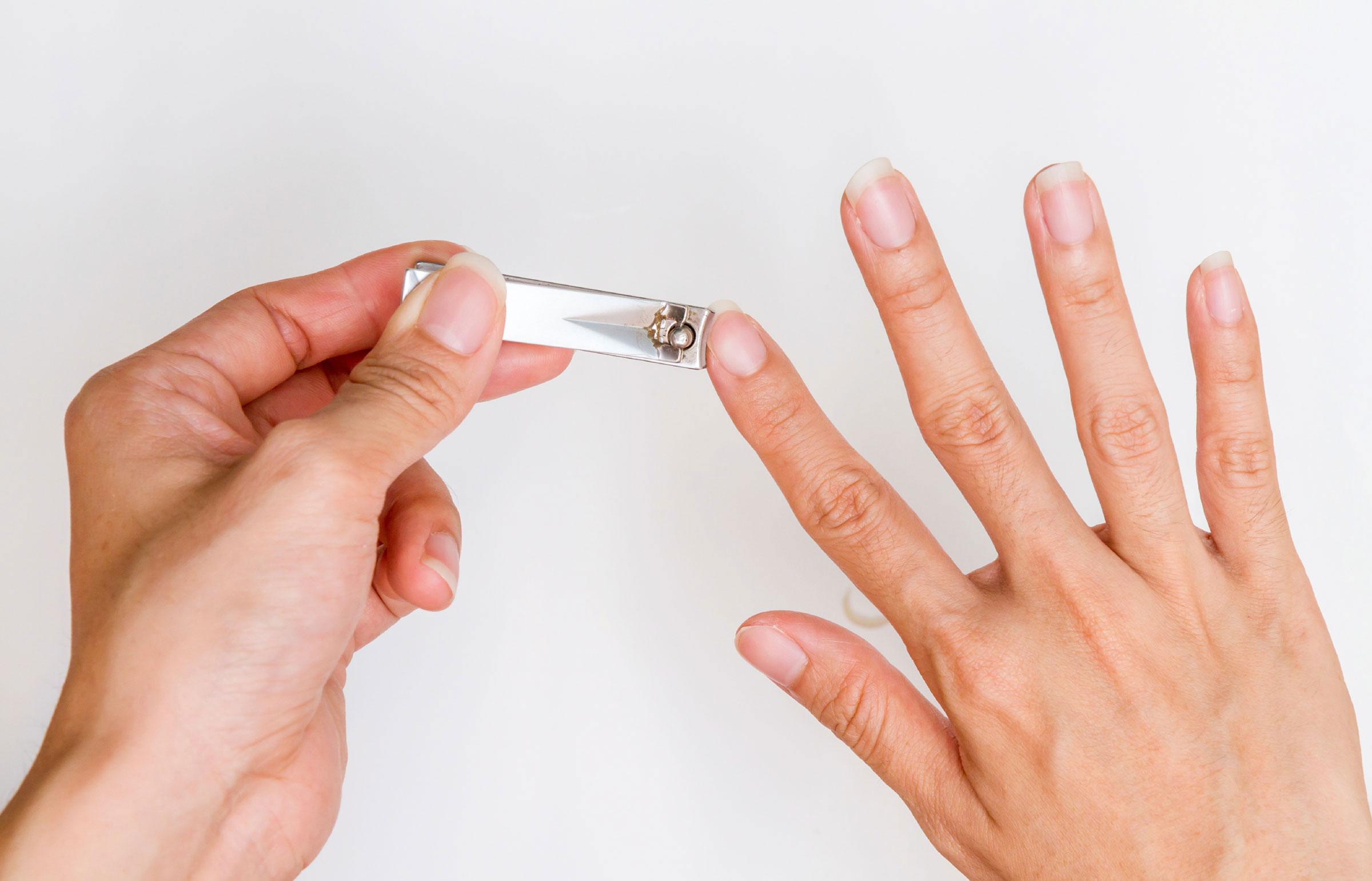 Как стричь ногти на ногах ребенку фото