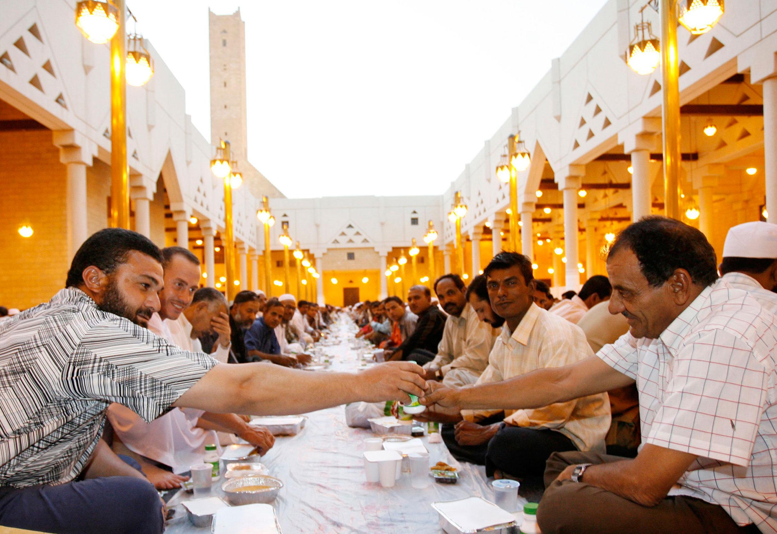 Картинки по запросу сунниты празднуют ашуру