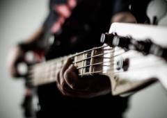 Увлекаюсь рок музыкой и пением. Хорошо ли это?