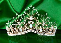 Мусульманка является королевой, её руку могут пожать только...